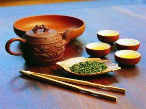 laoshangreentea_teapotleaves