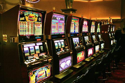 Играть онлайн игровой автомат покер